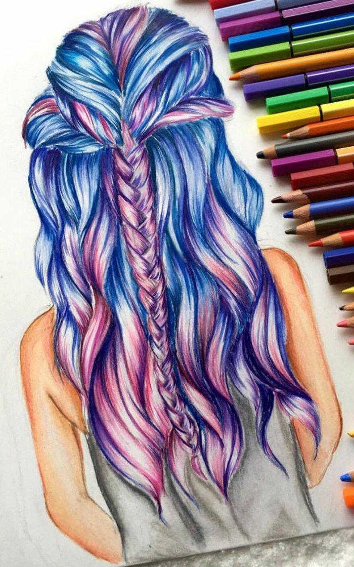 ein Mädchen gezeichnet mit blauen und lila Haar, ein Zopf in der beiden Farben, weiße Bluse, nackte Arme