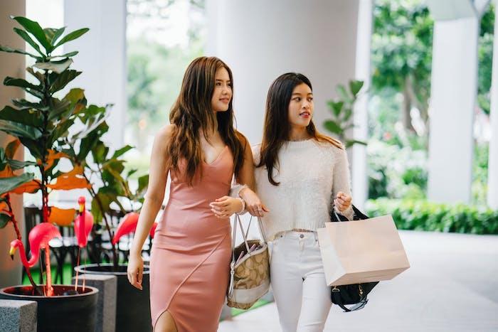 China will Ausgaben für Mode und Markenartikel steigern, Arbeitnehmer am Freitag Nachmittag frei