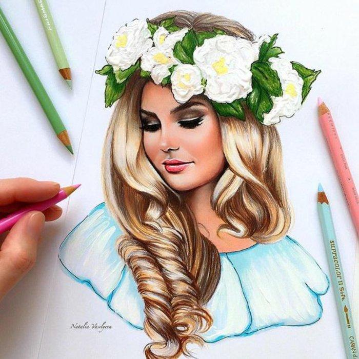 ein blondes Mädchen mit Blumenkranz in dem Haar, eine blaue Bluse, Mädchen gezeichnet