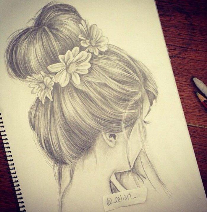 ein Mädchen mit Hochsteckfrisur mit weißen Blumen im Haar, Mädchen malen auf Sammelalbum