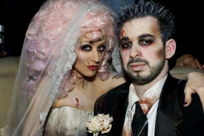 gruselige halloween kostüme für paare, braut und bräutigam zombie familie, alles mit blut schmutzig gemacht