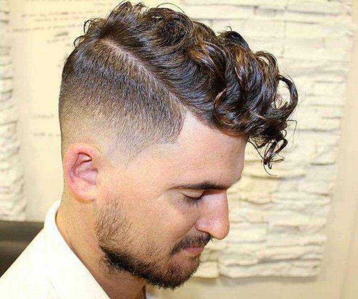 Kurze haare sidecut Undercut Halblange