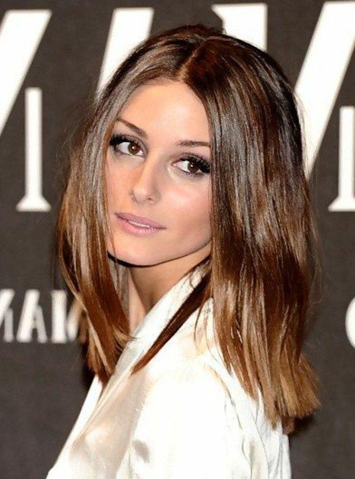 goldbraune haare, ombre, haarfrisuren mit farben die ineinander fließen, von braun bis zu dunkelblond