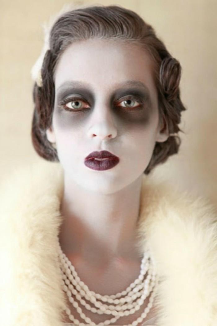 halloween ideen für frauen und männer, gruselige retro lady, eine party im stil zwanzigern jahren, mit den menschen von derselben zeit, schwarzer lippenstift, gespenst, flauschige luxusverkleidung