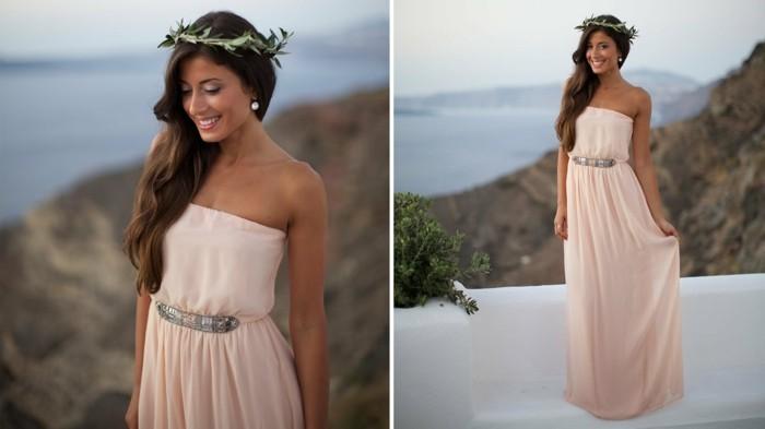 halloween kostüm ideen göttin, griechischer stil kleid mit einem lorbeer kranz auf dem kopf, elegante frau