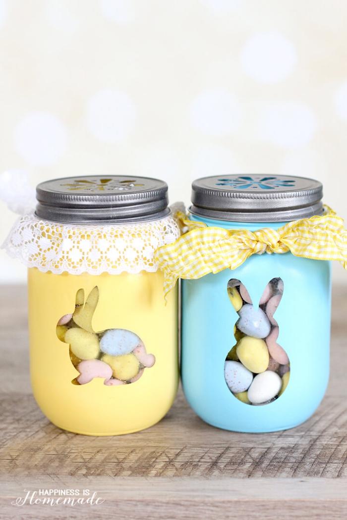einmachgläser dekoriert mit farbe, kleine bunte eier, osterdeko basteln, diy