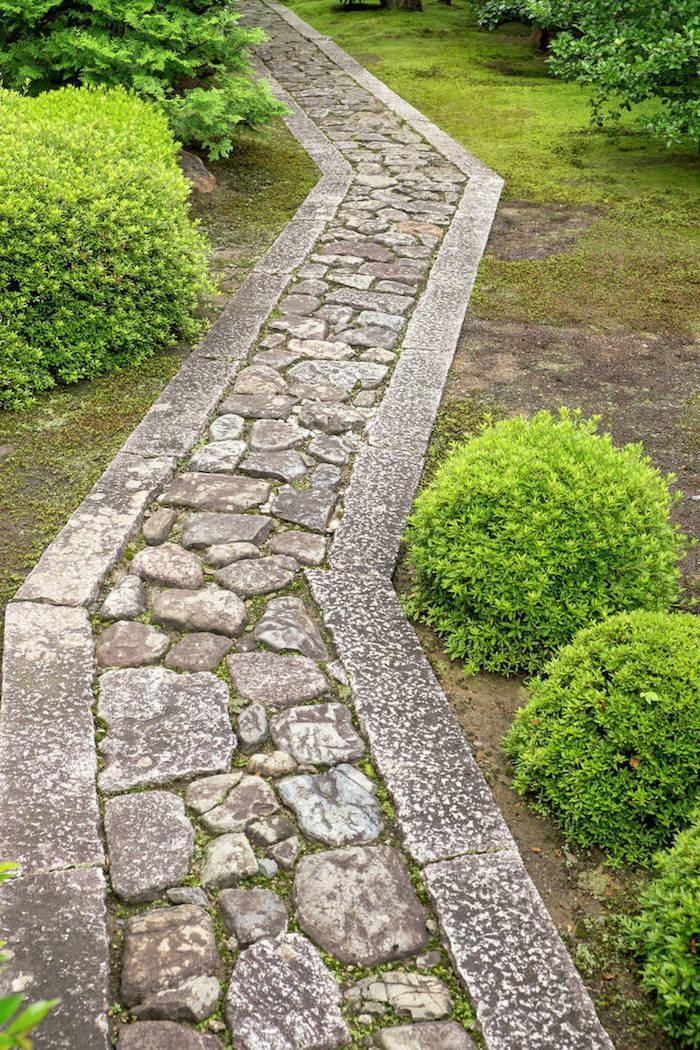 Pflasterweg aus Naturstein, Garten- und Landschaftsbau, was ist angesagt