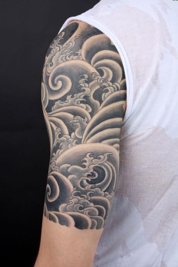 halb sleeve mit japansichen motiven, tattoo ideen männer, wasserwellen und rauch
