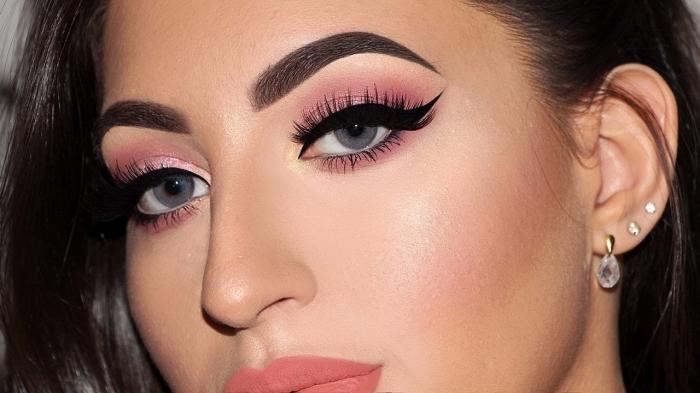 augenbrauen schminken, make up in rosa, ohrringe mit steinen, blaue augen