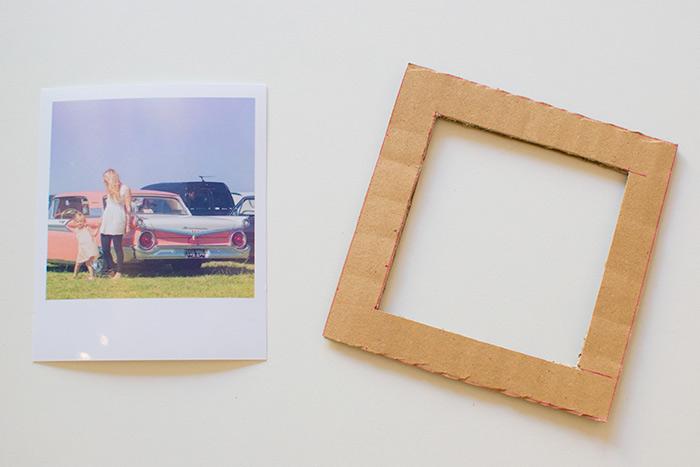 Eine ausführliche Idee wie Sie selber Bilderramen aus Karton basteln, Fotos und Bilder dekorieren