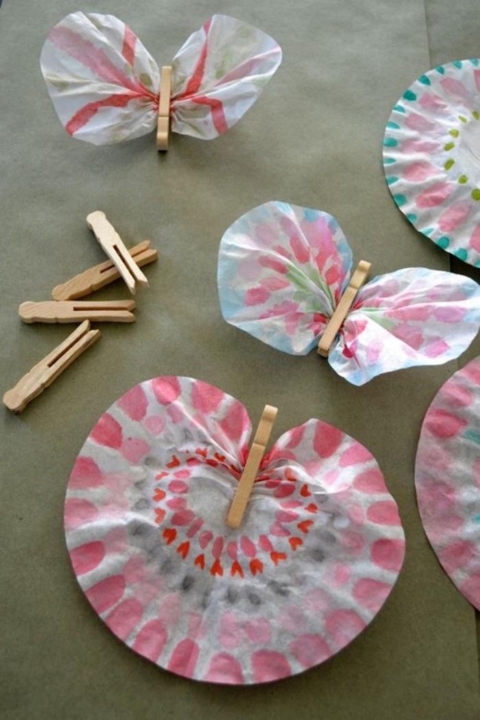Basteln mit Kleinkindern ohne Schere und Messer, nur mit Papier und Wäschehälter