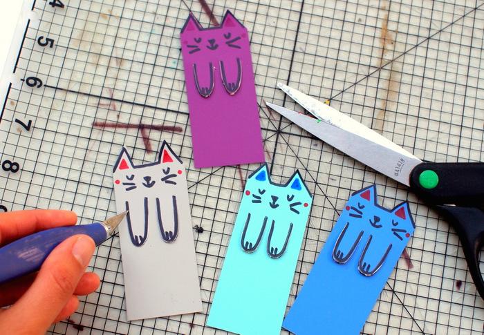 einfache Bastelideen für Kinder, Lesezeichen, Bookmark selber machen, Papier, Schere bunte Stifte