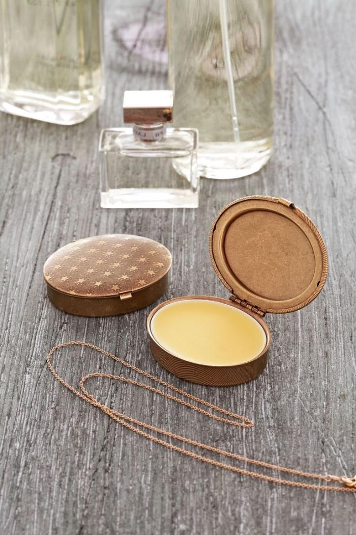 parfüm selber machen, runde parfümbox, besondere muttertagsgeschenke, kosmetik aus naturmaterialien