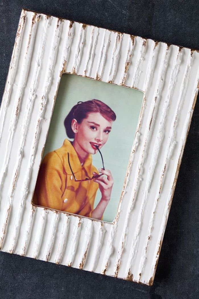 Holzrahmen selber machen, mit Vintage Effekt, abgenutzten Look erzielen, Vintage Bild darin