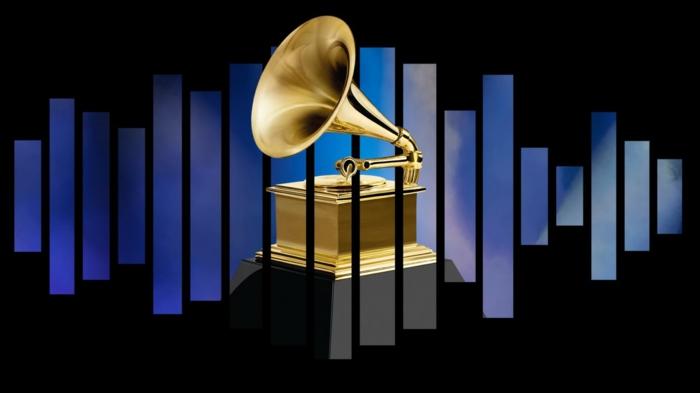 das Logo von Grammy 2019, Töne und ein Grammofon aus Gold, Bradley Cooper ist nominiert