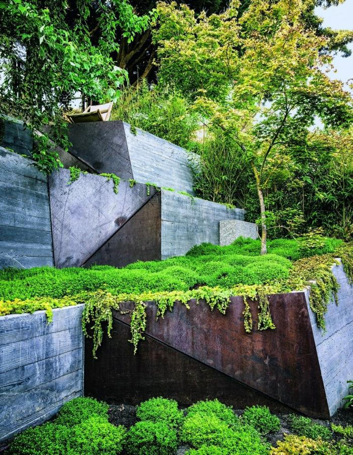 ein Steingarten mit Moos, viele Bäume, vertikaler Garten, Gartengestaltung Bilder zur Inspiration