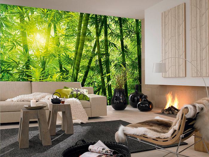 wohnzimmer mit einem grünen wald-tapete
