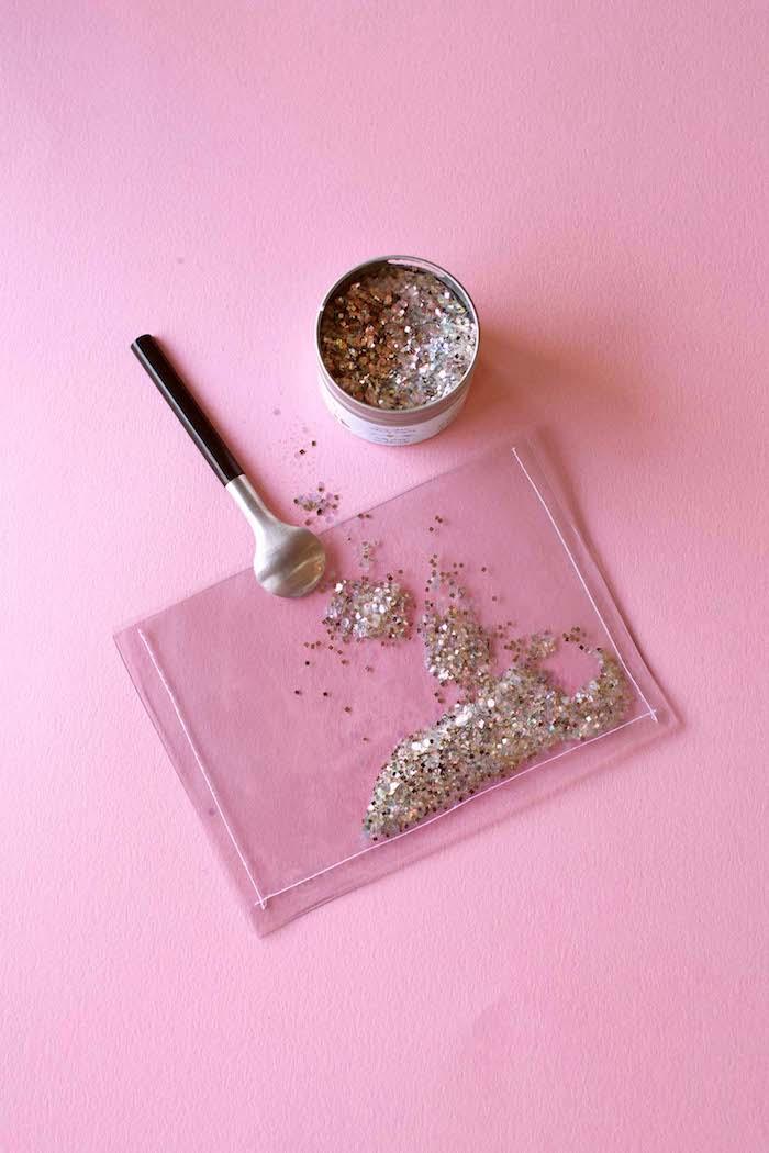 Bilderrahmen-Magnet mit Glitter selber machen, kreatives DIY Geschenk für jeden Anlass