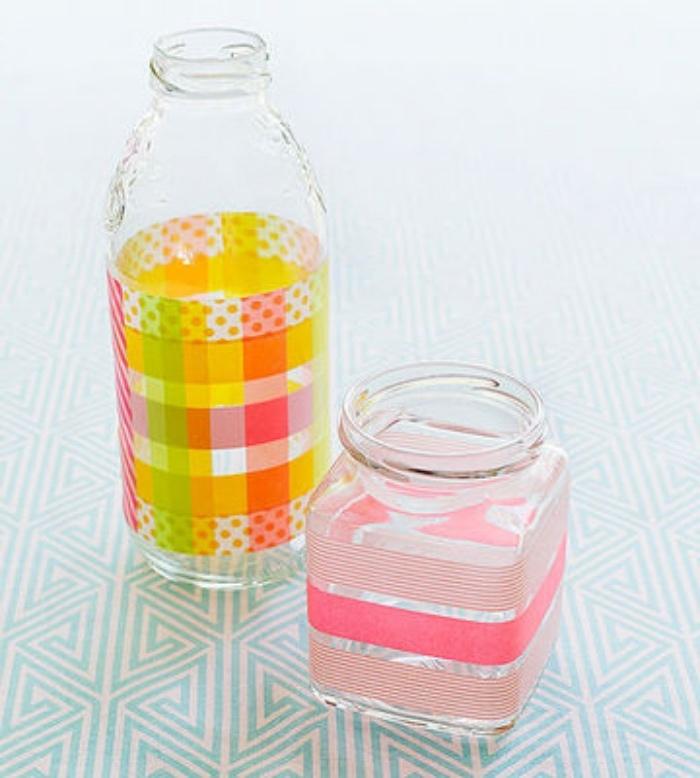 Basteln für Kinder, Glasflasche und Einmachglas bunt dekorieren mit Washi Tape