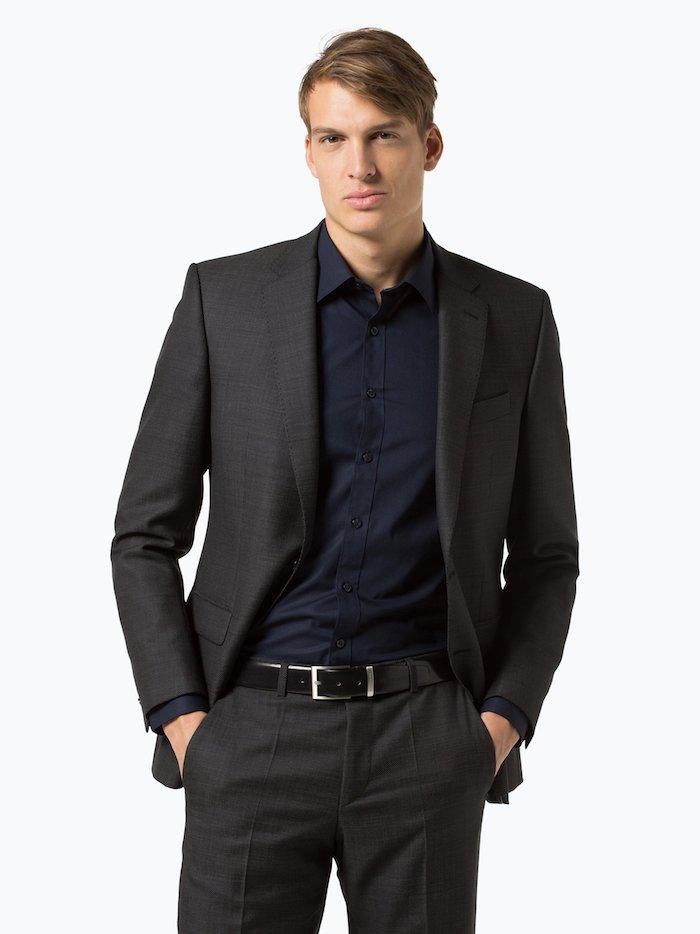 Herrenanzug in Anthrazit, klassische Farbe für Herrenanzüge, ohne Krawatte