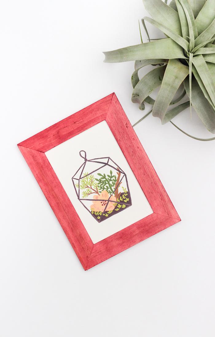 Roter Bilderrahmen aus Holz, DIY Idee zum Nachmachen, grüne Zimmerpflanze