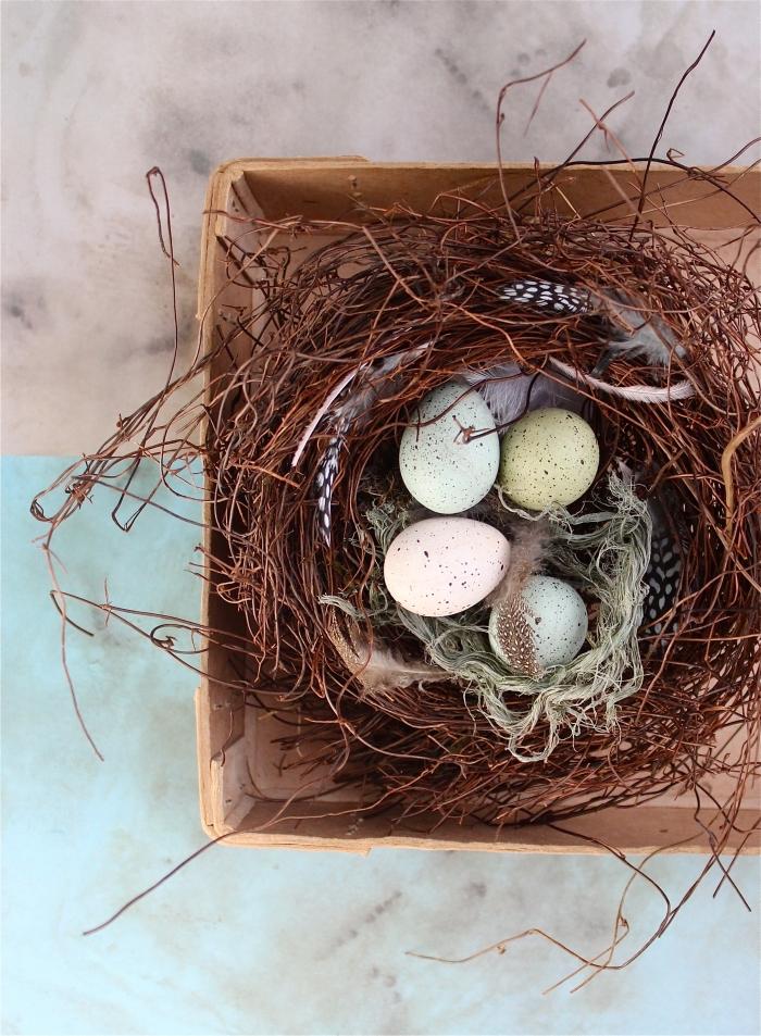 selsbtgemachtes nest, körbchen basteln, diy ideen zum ostern, osterdeko selber machen