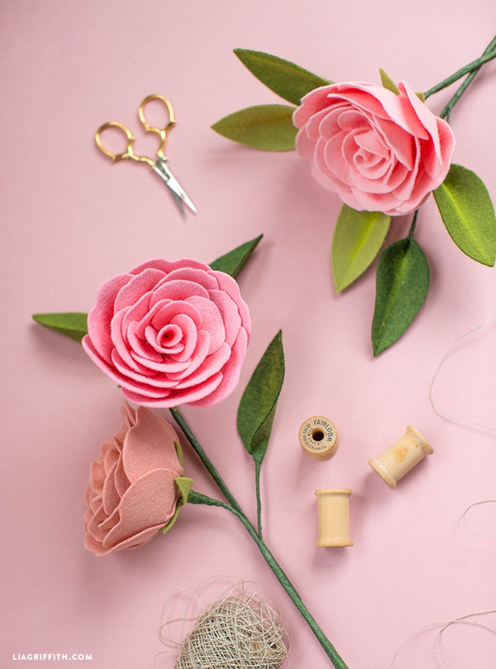 Schöne handgemachte Rosen aus Filz, DIY Geschenkidee zum Muttertag zum Nachmachen