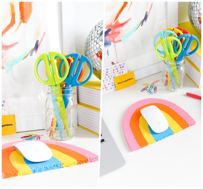 muttertagsgeschenk basteln, einmachglas mit bunten scheren, mouse pad in den farben des regenbogens
