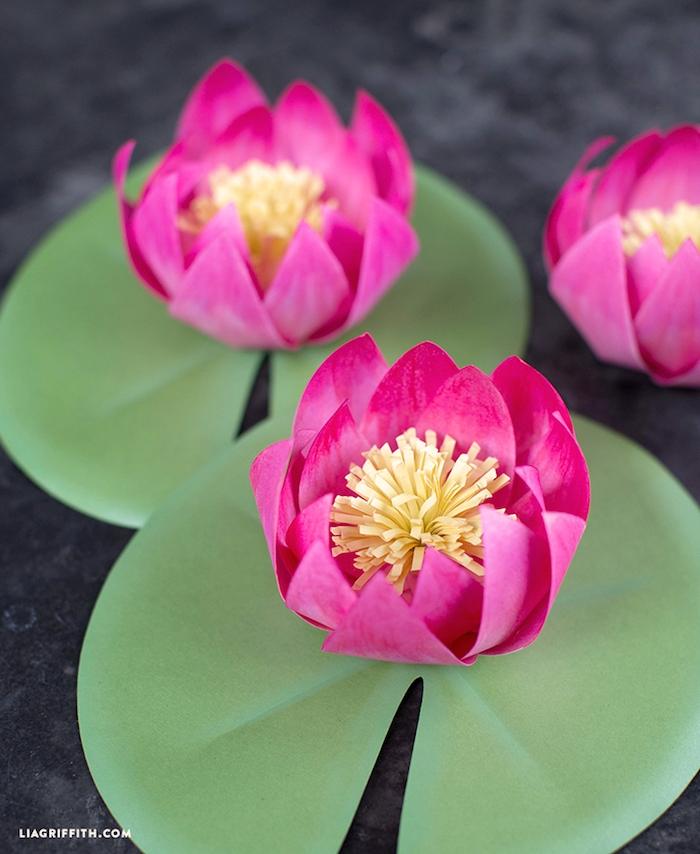 Handgemachte Wasserlilien aus Papier, DIY Idee für erstaunliche Tischdekoration zum Nachmachen