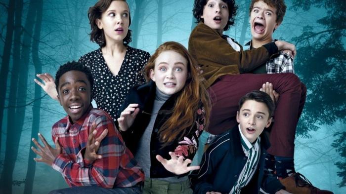 die Besetzung für die neue Staffel, die Kinder sehen entsetzt aus, Stranger Things
