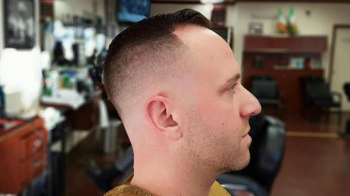 amerikanischer Stufenschnitt mittellang Männer Ideen Style kurze Haare trendy gestalten Männermode