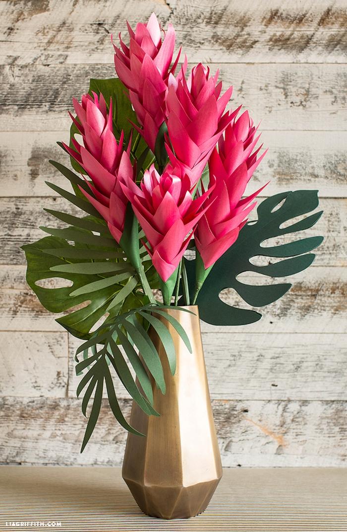 Blumenstrauß aus Papier selber machen, Tischdeko für tropische Party, DIY für Erwachsene