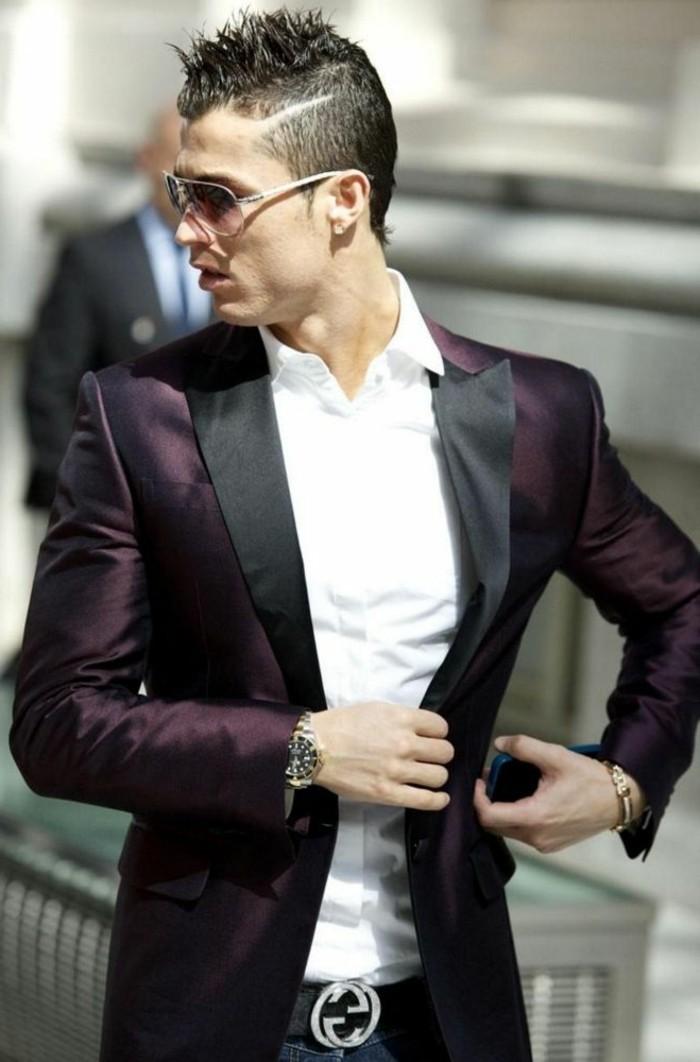 männerfrisuren 2017, ronaldo stil, eleganter mann, fußballspieler style, sonnenbrille, sakko, hemd, armbanduhr