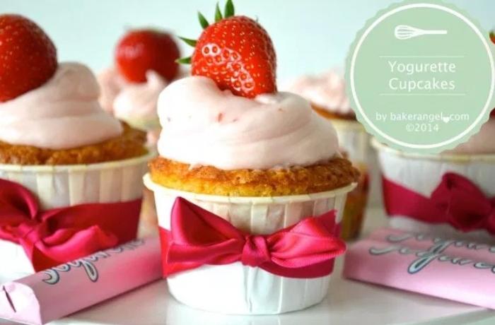 erdbeer yogurette torte, kleine törtchen in der größe von muffins, erdbeer torte