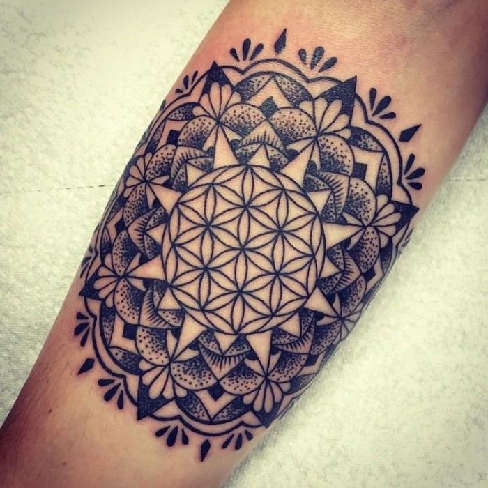 blume des lebens ideen zur schönen und feinen gestaltung eines tattoos, tattoo designs und ideen, blume, design idee