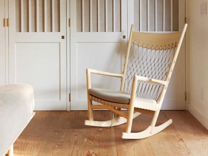 gartenhaus, ein wiegestuhl aus holz findet platz in jedem lagerraum und gartenkonstruktion