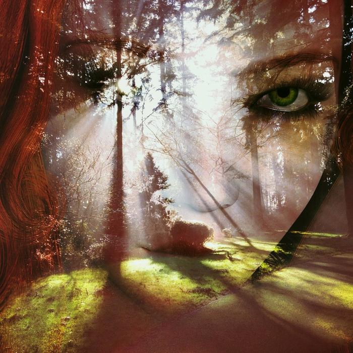 ein grünaugiges Mädchen mit rotem Haar, Sonnenschein aus ihrem Auge, grüne Wiese, coole Bilder