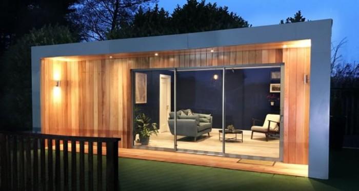 Gartenhaus grau, Hausdesign, Ideen zum Dekorieren und Gestalten, Beleuchtung, Sofa und Sessel