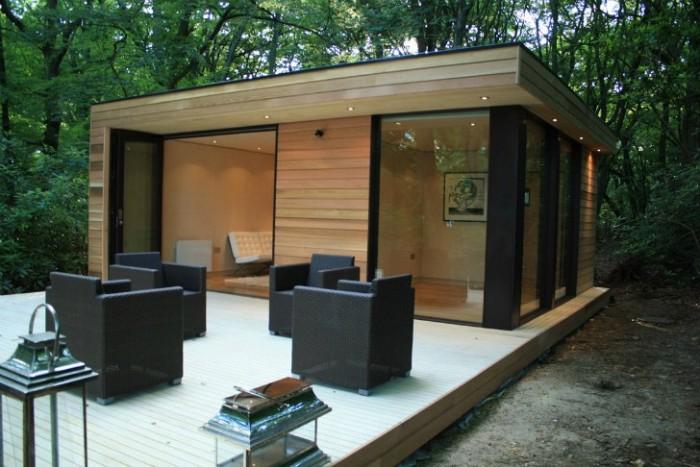 Gartenhaus Holz Flachdach, Hausdesign, Sessel, Leuchten Beleuchtung, Ideen zum Gestalten und Dekorieren