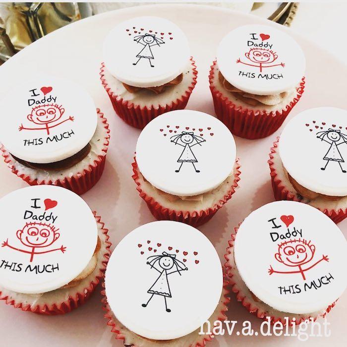 Cupcakes zum Vatertag backen und dekorieren, kleine Männchen, Aufschrift Ich liebe Vati
