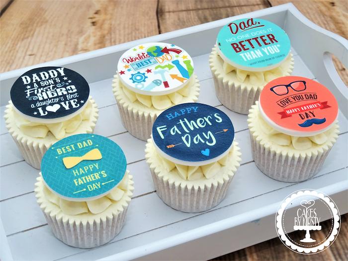 Cupcakes mit Botschaften zum Vatertag schenken , mit Vanillecreme, leckere Überraschung für Vater