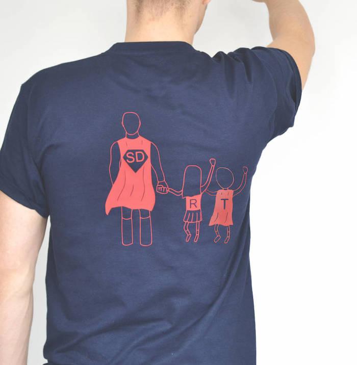 Shirt zum Vatertag selber bedrucken, Vater als Superman mit Tochter und Sohn