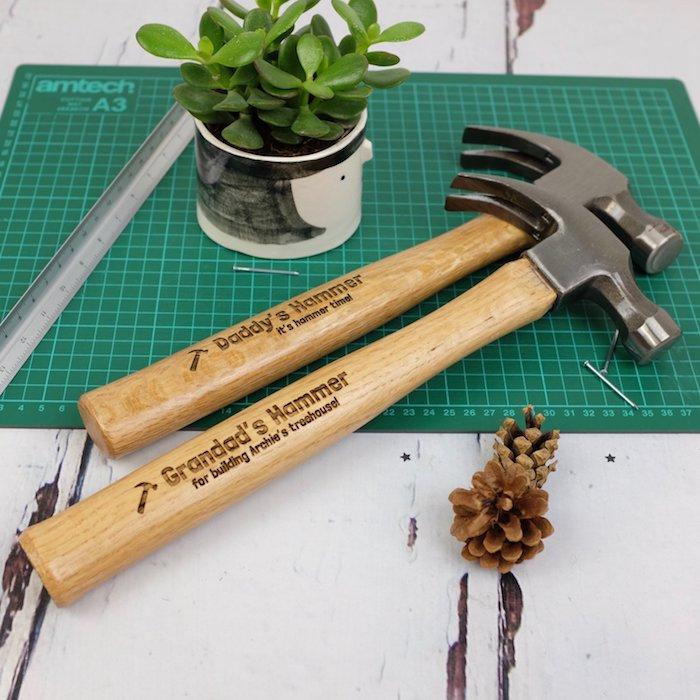 Hammer mit Gravur zum Vatertag schenken, praktische Geschenke für Väter und Opas