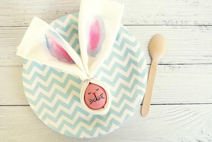 Osterhase aus Ei und Serviette selber machen, einfache DIY Idee zum Nachmachen