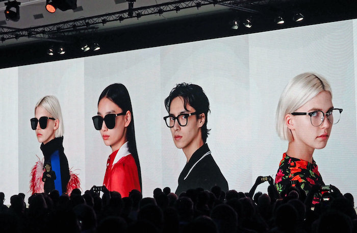 Neue Smart Brillen vorgestellt, kommen in reduziertem Design aus