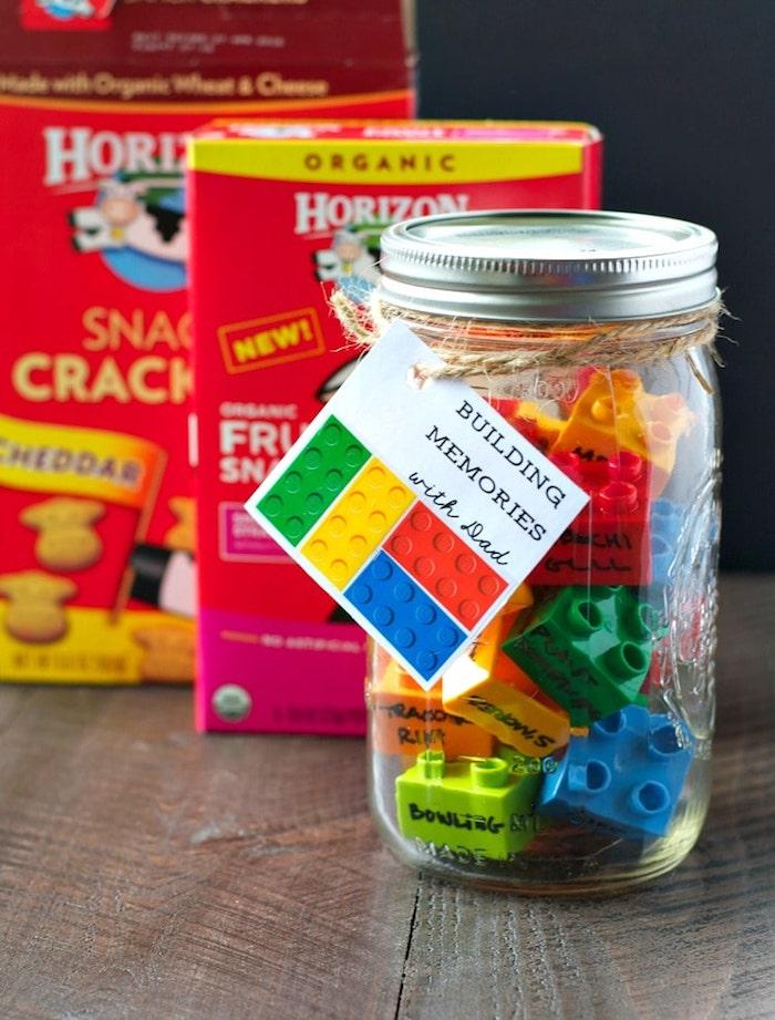 Kreatives DIY Geschenk zum Vatertag, Lego in Einmachglas mit Anhänger