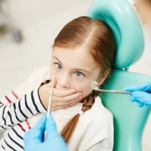 Zahnbehandlungsphobie:  wie kann man die Angst vor dem Zahnarzt besiegen?