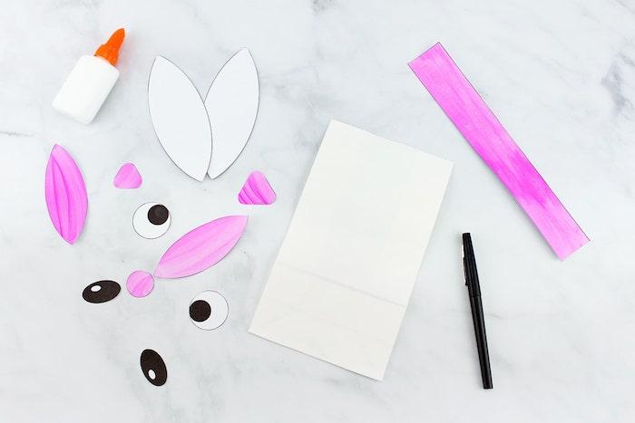 Ohren und Augen für Osterhasen aus Papier ausschneiden, Osterhasen aus Papiertüten basteln