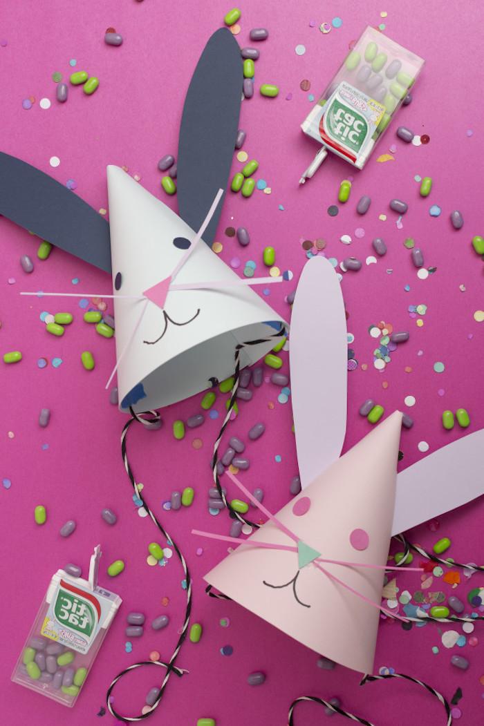 Partyhütchen aus Papier selber machen, Osterhasen mit Kindern basteln, lustige Bastelidee