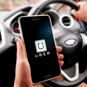 Daniel Danker wird selbst ein Uber Fahrer, um die Uber App zu verbessern